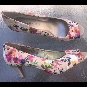 Karen Scott size 10 floral pink peep toe heels